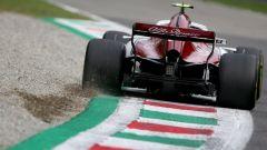 GP Italia 2018, Monza, una Alfa-Romeo Sauber in azione sul cordolo