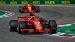 GP Italia 2018, qualifiche Monza, Kimi Raikkonen in azione con la sua Ferrari seguito dal compagno Sebastinan Vettel
