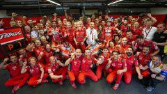 GP Italia 2019, Mugello, Danilo Petrucci festeggia la vittoria con tutto il team Ducati e con il compagno Dovizioso