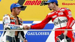 GP Malesia 2002, Sepang. Biaggi (Yamaha) vince davanti a Rossi (Honda)