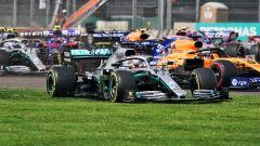 GP Messico 2019, Hermanos Rodriguez: Lewis Hamilton (Mercedes) sull'erba dopo la partenza