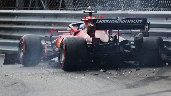 GP Monaco 2021, Monte Carlo: Charles Leclerc (Ferrari) a muro alle piscine nelle qualifiche