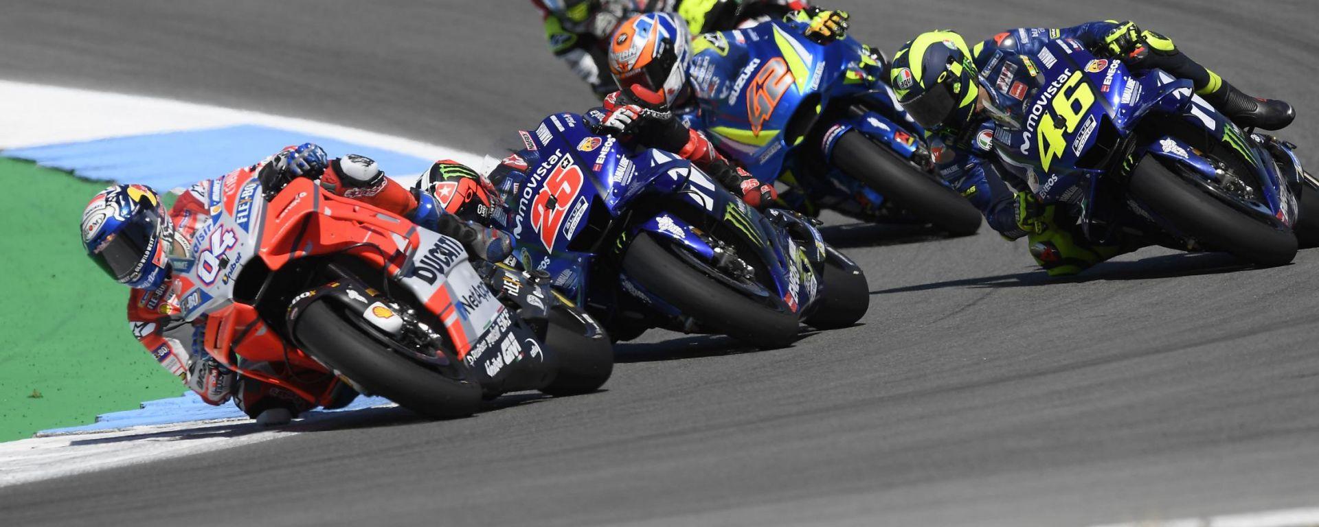 GP Olanda 2019, Assen, Dovizioso (Ducati), Vinales e Rossi (Yamaha), Rins (Suzuki), Crutchlow (Honda)