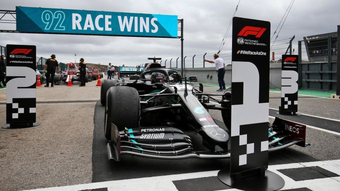 GP Portogallo 2020, Lewis Hamilton (Mercedes) fa 92 vittorie in carriera