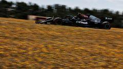 GP Portogallo 2021, Qualifiche: Bottas beffa Hamilton