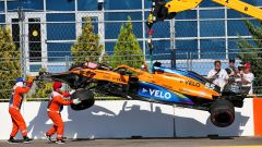 GP Russia 2020, Sochi: l'auto incidentata di Carlos Sainz al via della gara