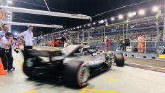 GP Singapore 2018, Bottas esce dai box con la sua Mercedes