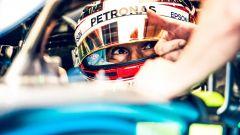 GP Singapore 2018, Hamilton nei box con la sua Mercedes