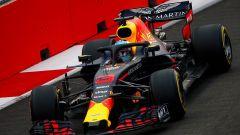 GP Singapore 2018, qualifiche: Daniel Ricciardo in azione con la sua Red Bull