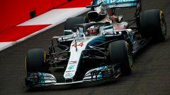 GP Singapore, qualifiche: Lewis Hamilton, pole a velocità di curvatura, solo terzo Vettel