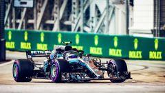 GP Singapore 2018, qualifiche: Valtteri Bottas in azione con la sua Mercedes