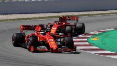 GP Spagna 2019, Sebastian Vettel (Ferrari) pressato da Charles Leclerc
