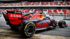 GP Spagna, Barcellona - Max Verstappen entra in pista durante i test 2020