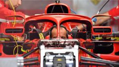 Ferrari sfrutta l'Halo e il regolamento: ecco gli specchietti rialzati - Immagine: 2