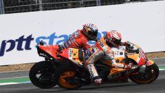 GP Thailandia 2018, il duello di Buriram tra Marc Marquez e Andrea Dovizioso