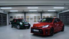 Sfida Toyota GR Yaris e Mini John Cooper Works. Il video in pista