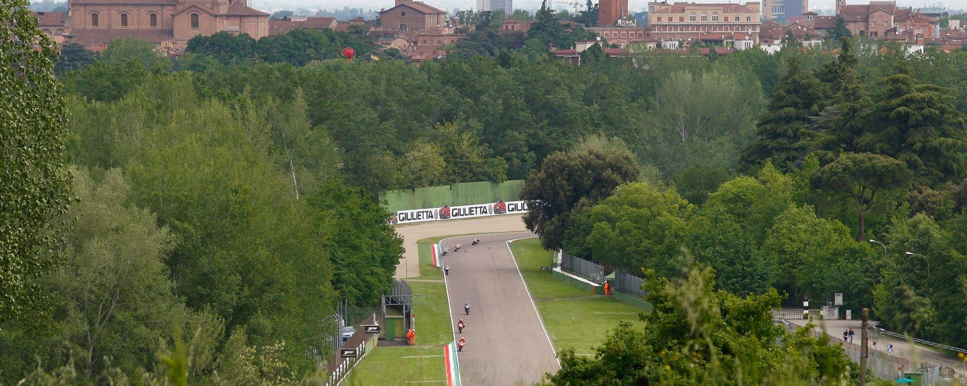 Superbike 2017 round 5 Gran Premio d'Italia Imola: prove libere, qualifiche, Gara 1 e Gara 2