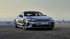 Audi e-tron GT quattro: il design dell'auto in video