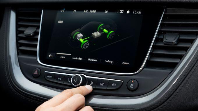 Grandland X Hybrid4, sul display le informazioni sul sistema ibrido