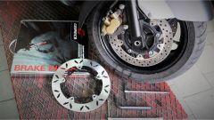 Grimeca: il montaggio dei dischi freno sullo Yamaha T-Max 530