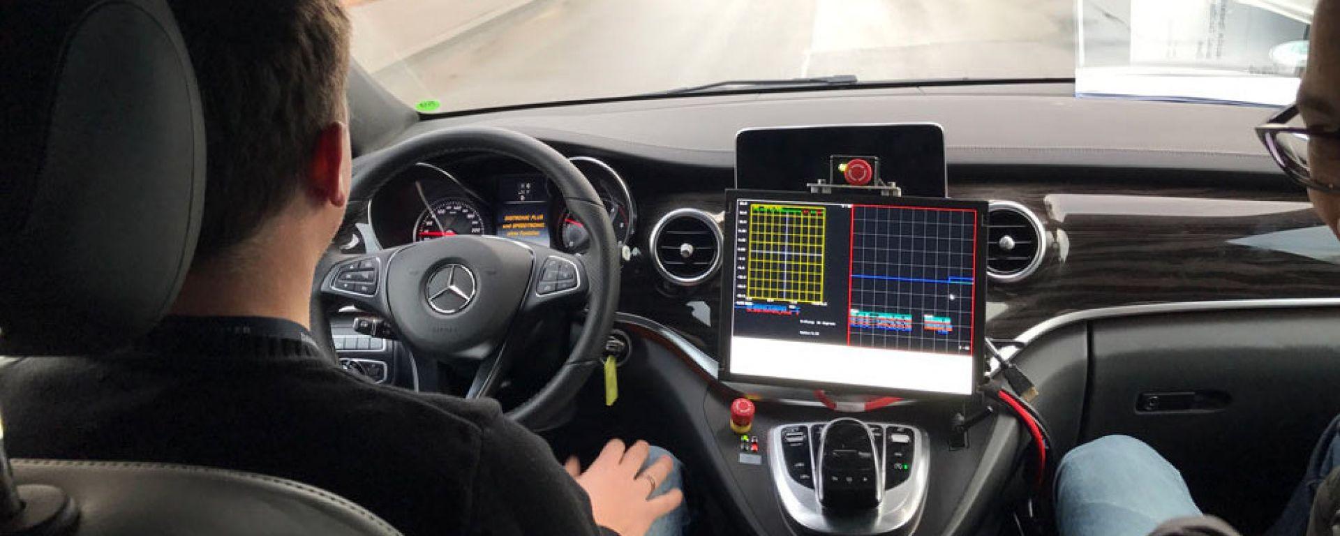 Guida autonoma e aerei precipitati: parla il CEO Mercedes