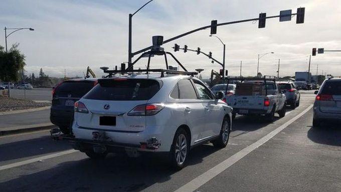 Guida autonoma, primo incidente per una Apple Car