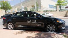 Guida autonoma, uno dei prototipi Mobileye su base Ford Fusion