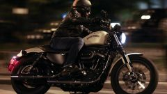 Guida moto notturna