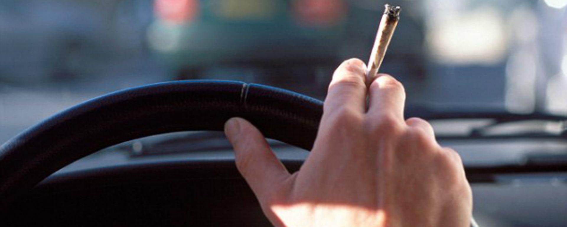 Guida sotto l'effetto di stupefacenti: per la Cassazione, una canna non è sempre reato