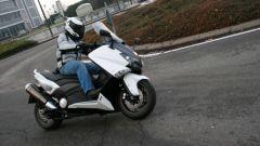 Guidare lo Yamaha TMax - Immagine: 17