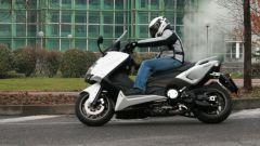 Guidare lo Yamaha TMax - Immagine: 18