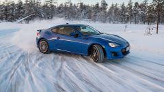 Guidare sulla neve, tecniche di guida: più veloci di traverso