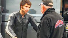 Guy Martin con un meccanico