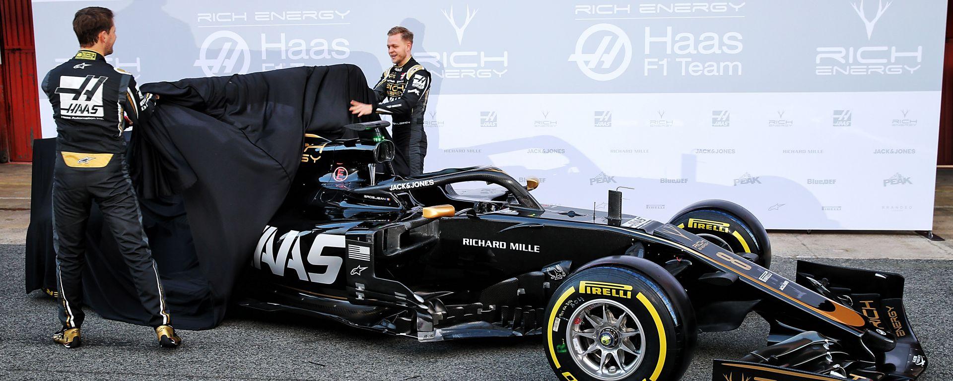 Haas come Alfa Romeo: nuova monoposto svelata a Barcellona