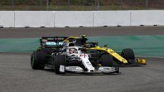 Hamilton (Mercedes) in pista ad Hockenheim