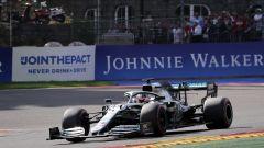 Hamilton (Mercedes) in pista in Belgio