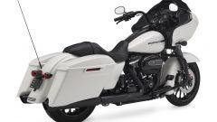 Harley-Davidson CVO Road Glide white, vista posteriore