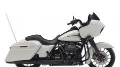 Harley-Davidson CVO Road Glide, white