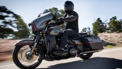 Harley Davidson CVO Street Glide in azione
