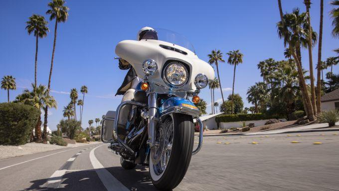 Harley-Davidson Electra Glide Revival 2021: il frontale