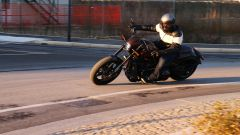 Harley-Davidson FXDR 114 in azione durante il test