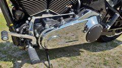 Harley Davidson Sport Glide: dettaglio del motore lato sinistro