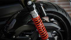 Harley-Davidson Street Rod 750, ammortizzatore posteriore regolabile nel precarico