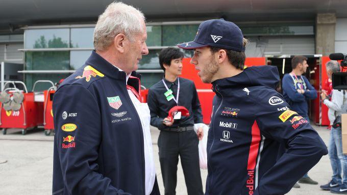 Helmut Marko a colloquio con Pierre Gasly (Red Bull)