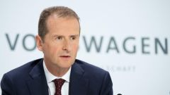 Herbert Diess, attuale Ceo Volkswagen. Indagato