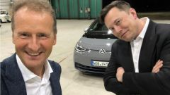 Video: Elon Musk di Tesla, prova la Volkswagen ID.3
