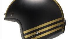 Hevik: il jet HV27 Gold Stripes in nero opaco con bande oro impreziosite da stelline