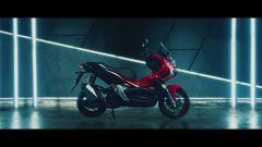 Honda ADV 150 2019: vista laterale