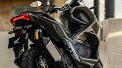 Honda ADV 150 2019: visto da dietro