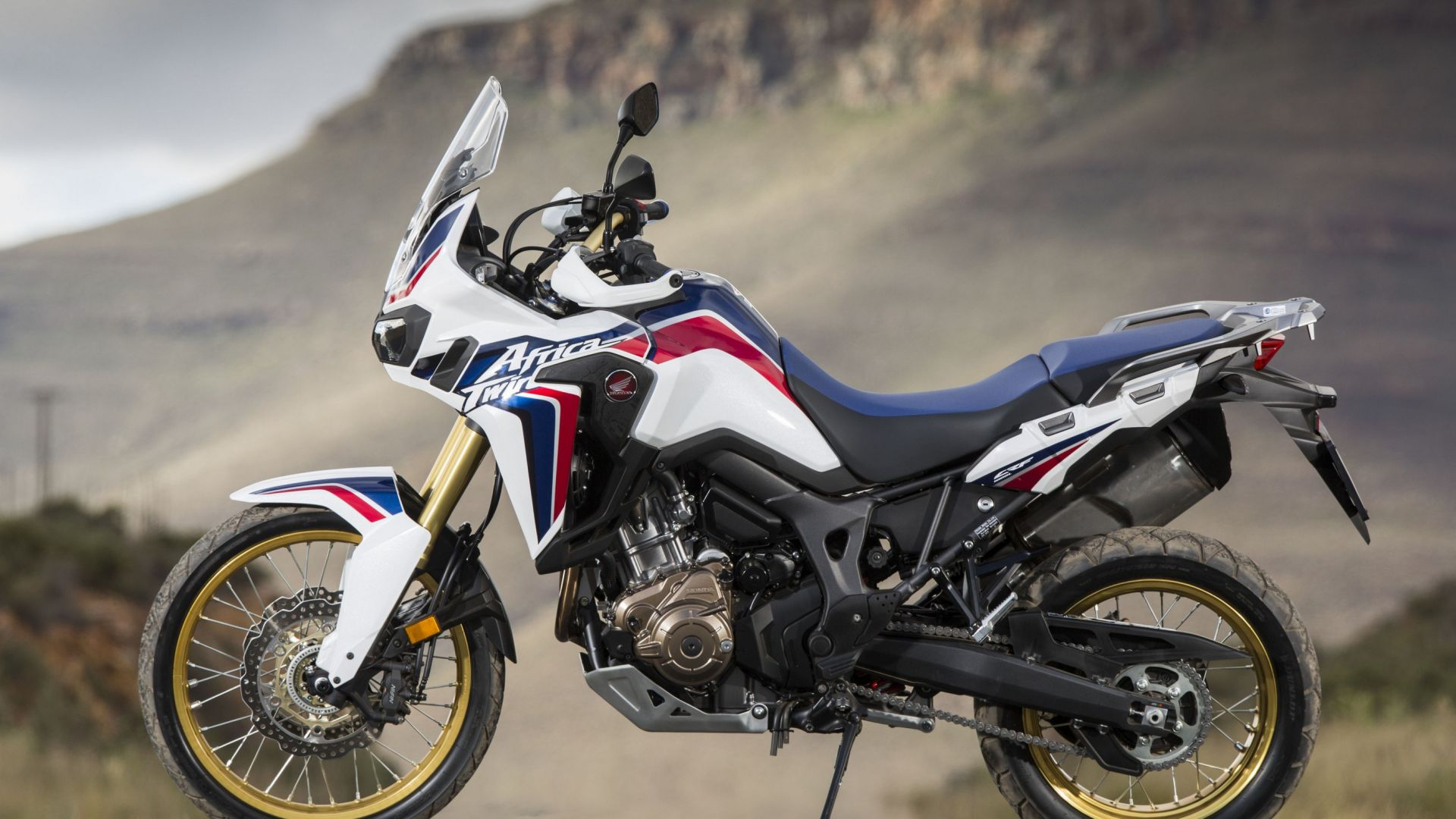 prova su strada honda africa twin 2016 motorbox. Black Bedroom Furniture Sets. Home Design Ideas